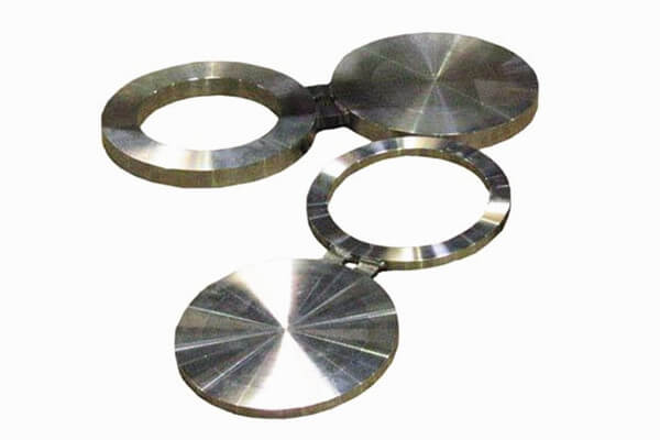 Alloy 20 Spectacle Blind Flange